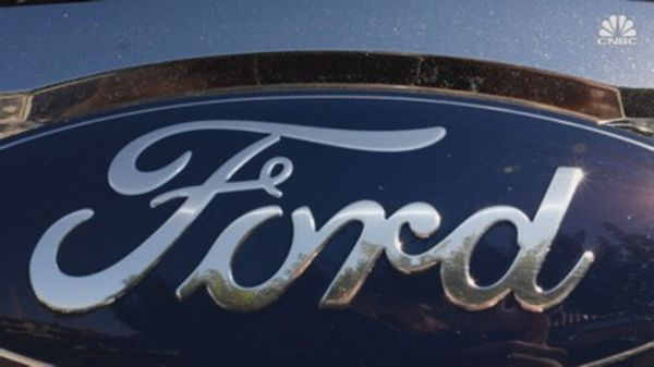 Ford issues three recalls covering 1.5 million Ford and Lincoln vehicles, few over potential whiplash concerns