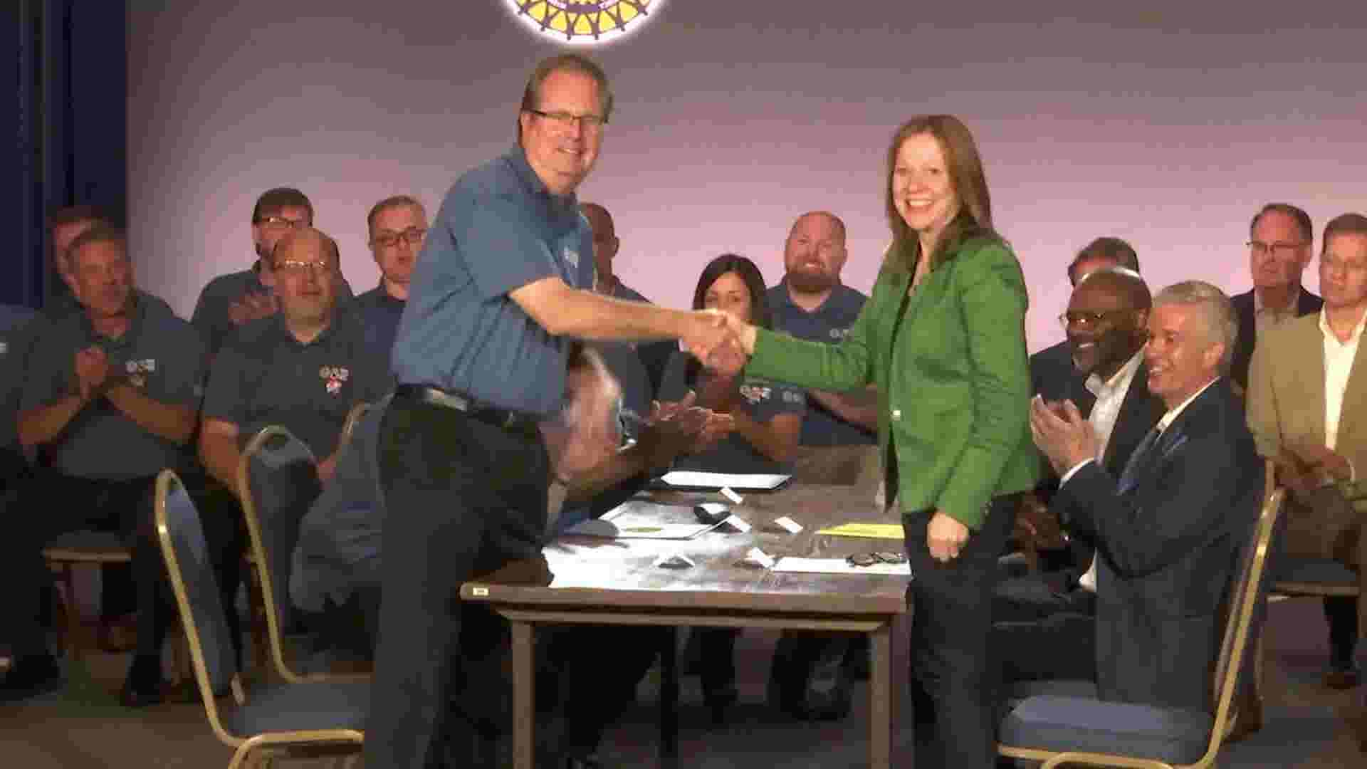 Move to close preparing focus rises in middle of GM-UAW agreement talks