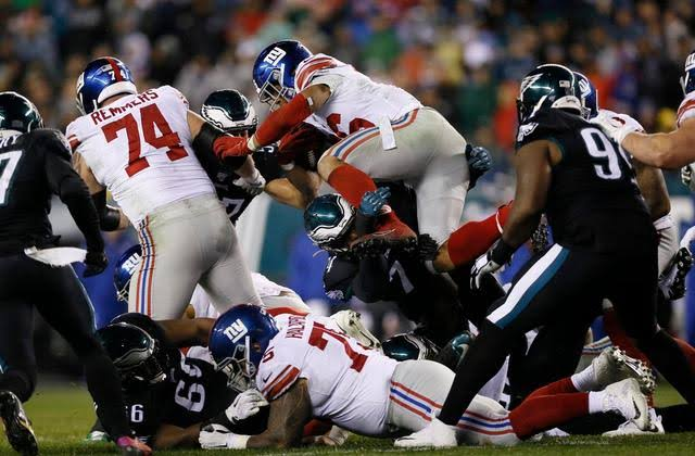 Lane Johnson (lower leg) harmed versus Giants Eagles' Alshon Jeffery (foot)