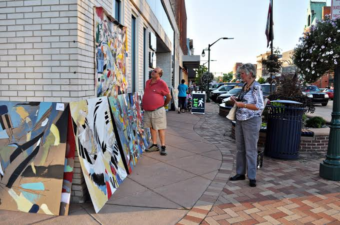 Last Art Walk of the year occurs in downtown Elkhart