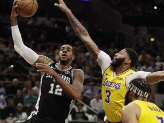 LeBron James leads Lakers past Spurs with sensational final quarter